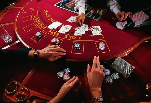 casino físico ou casino online